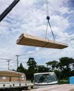 搬入一宮長屋新築工事 土台、大引搬入、敷込み_170828_0018a