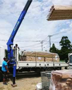 搬入一宮長屋新築工事 土台、大引搬入、敷込み_170828_0020a