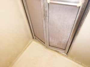浴室ドアIMG_9621a