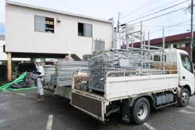 産廃物の荷下ろし作業
